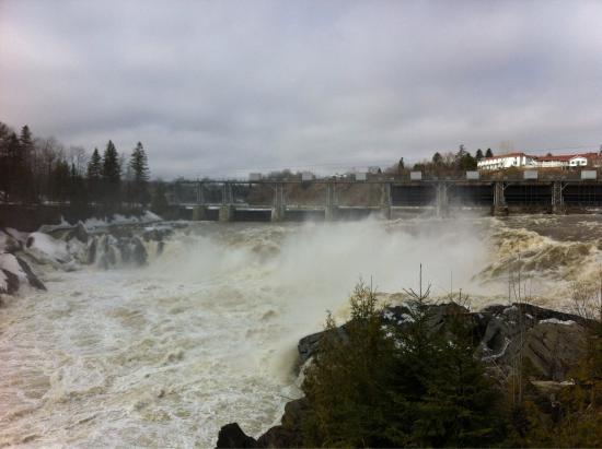 مطاعم Grand Falls