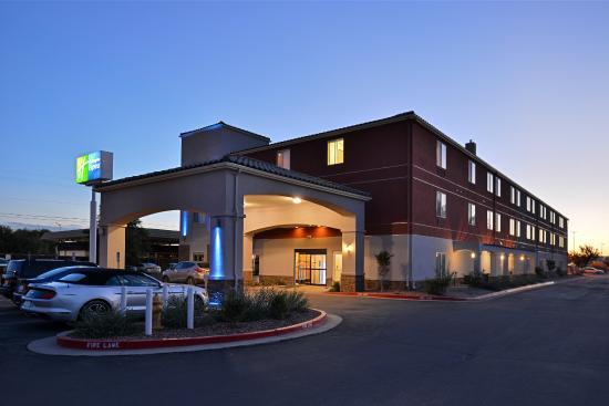 Photo of Holiday Inn Express Bernalillo