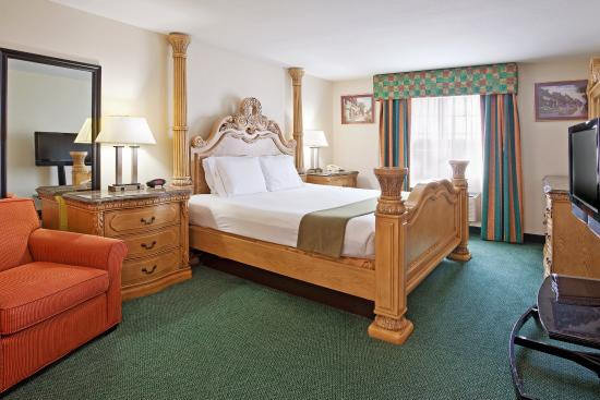 Holiday Inn Express Birch Run (Frankenmuth Area): Jacuzzi Suite
