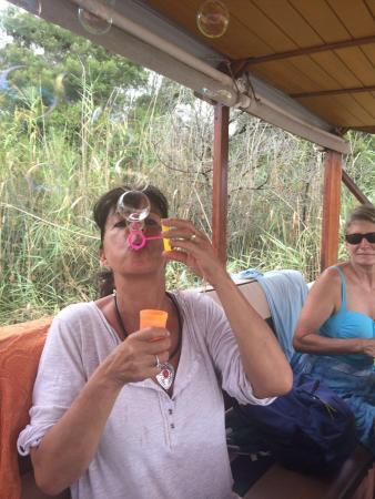 Malagas, Republika Południowej Afryki: Being kids again 😃
