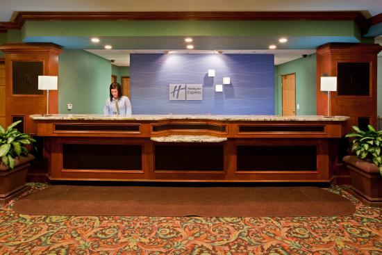 Grandville, MI: Front Desk