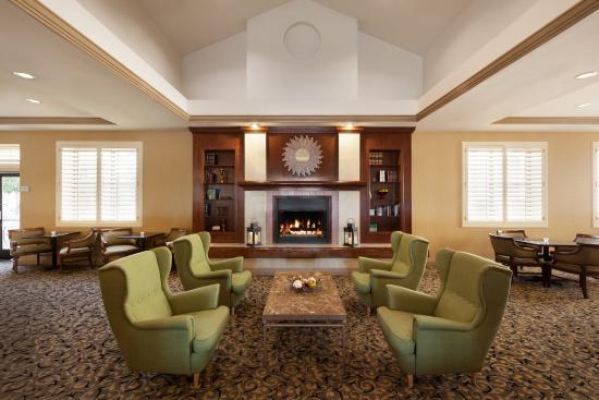 Radisson Hotel Phoenix / Chandler: CHAZLobby