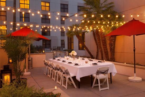 Radisson Hotel Phoenix / Chandler: CHAZPatio Private Dinner