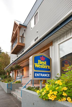 ‪BEST WESTERN PLUS Edgewater Hotel‬
