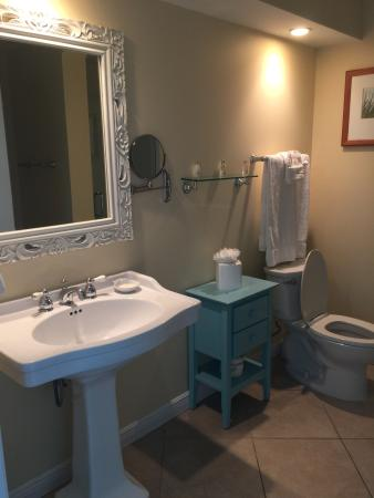 Tranquility Bay Beach House Resort: Clean bathrooms