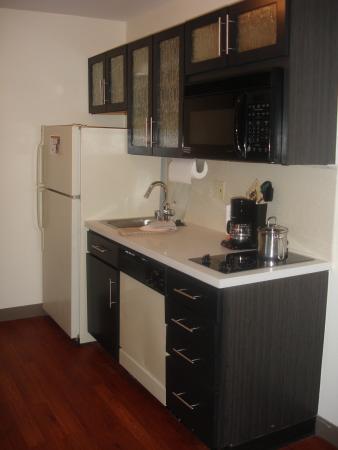 Candlewood Suites North Orange County: One Bedroom Suite Kitchen