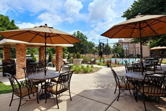 Peoria, IL: Courtyard