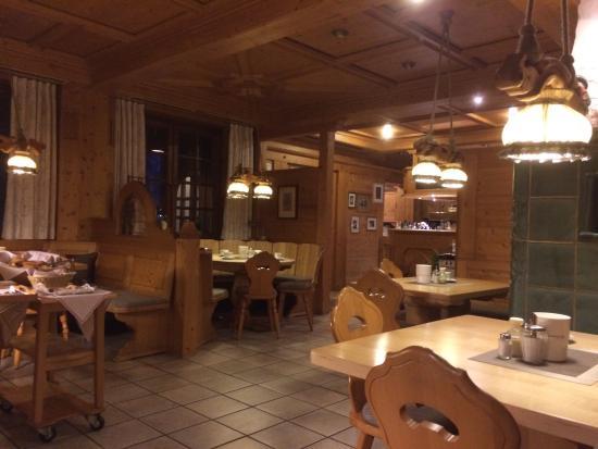 Loewen Hotel: photo0.jpg