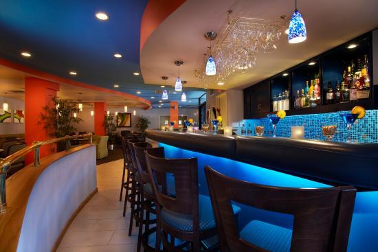 Hotel Indigo Ottawa Downtown: Phi Bistro & Bar