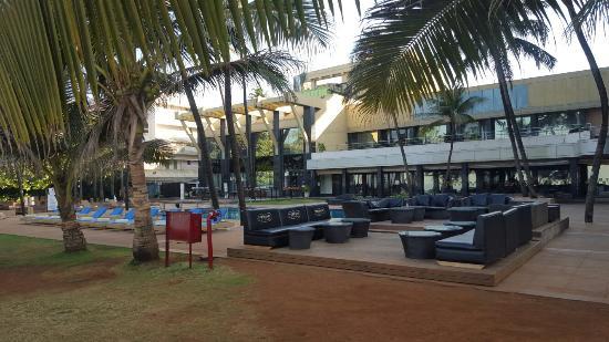 Hotel Novotel Mumbai Juhu Beach Review