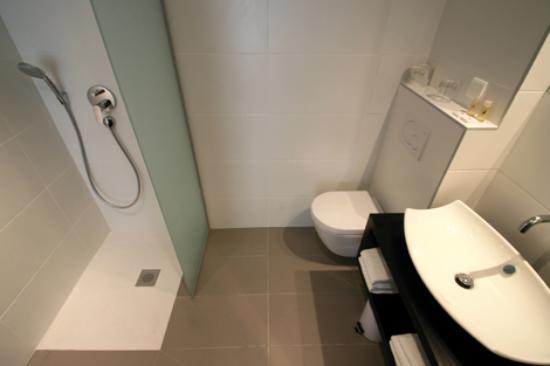 Hôtel Astoria Nantes : salle de bain