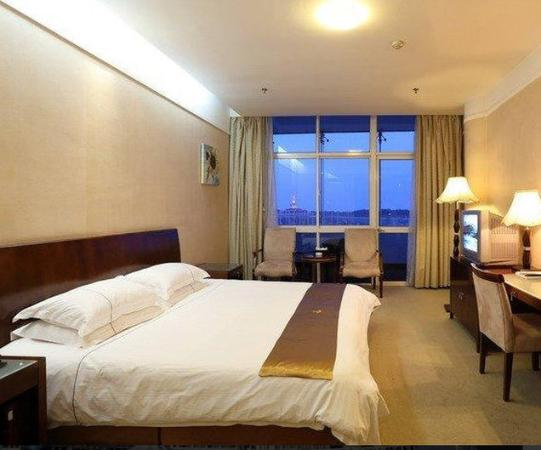 Rizhao, China: Seaview King Room