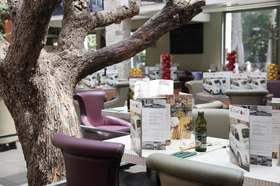 Рони-су-Буа, Франция: RIGATONI CAFE ROSNY