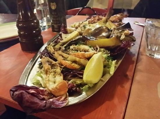 Bagno a Ripoli, Italia: Ottimo per qualità, servizio, ambiente, giuste quantità, varietà dei menu e prezzi adeguati;  da