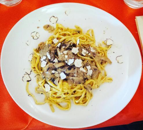 Costacciaro, Włochy: IMG_20160120_180543_large.jpg