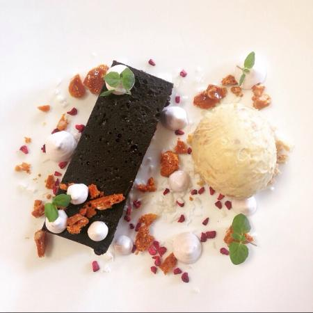 The White Horse: Rocky Road dessert