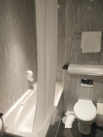Odd Bath-Shower Curtain - Picture of Britannia Hotel Stockport ...