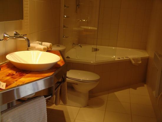 New Norfolk, Avustralya: Spa bathroom