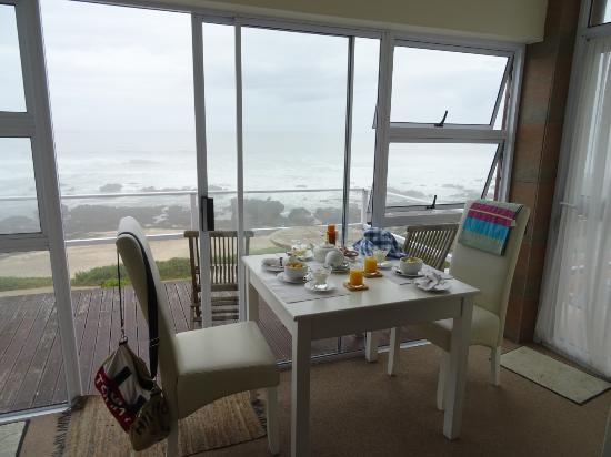 Beachview, Zuid-Afrika: Breakfast served in the room