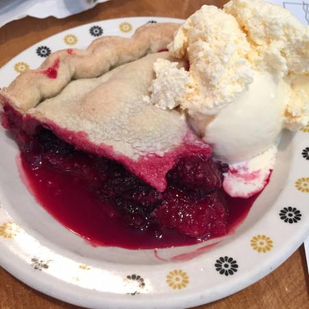 Ashford, WA: Blackberry pie. Yummy!