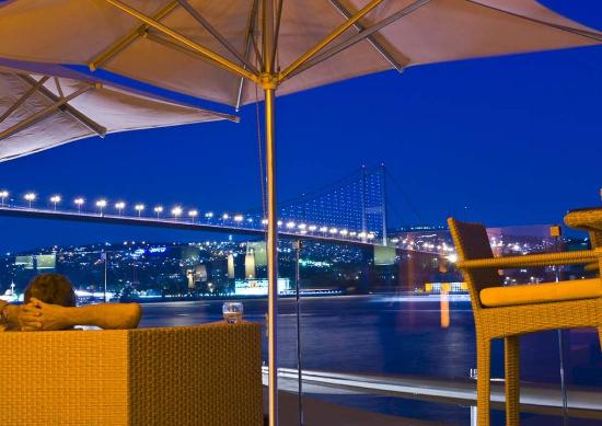 Radisson Blu Bosphorus Hotel, Istanbul: Cruise Lounge Bar