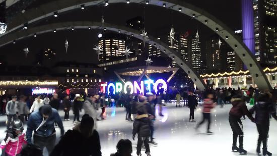Old City Hall : 시청앞 스케이트장