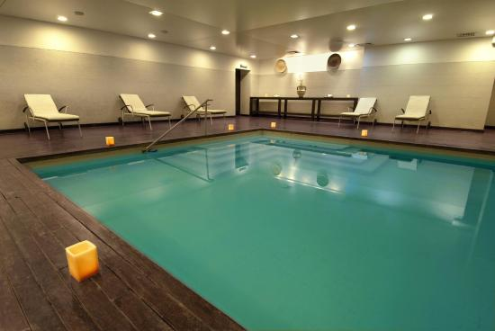 Golden Beach Resort and Spa: Indoor swimming pool