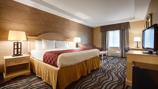 Best Western Summit Inn: King Guest Room