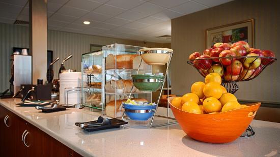 BEST WESTERN Summit Inn: Breakfast Area