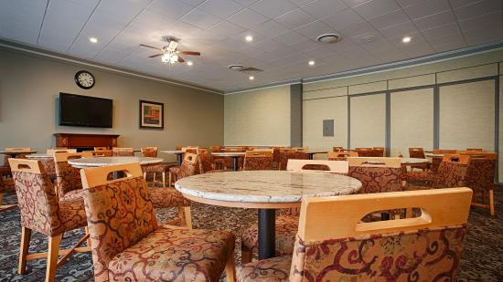 BEST WESTERN Summit Inn: Breakfast Area