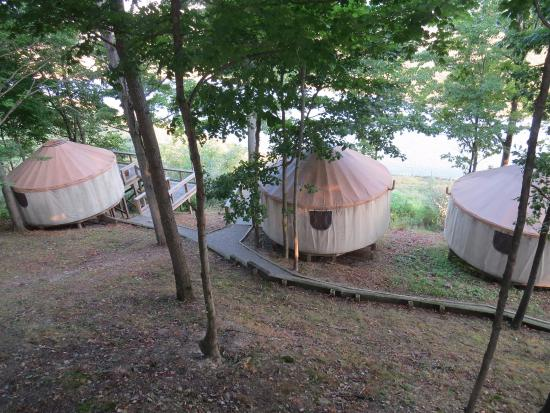 Cumberland, OH: Nomad Ridge yurts.