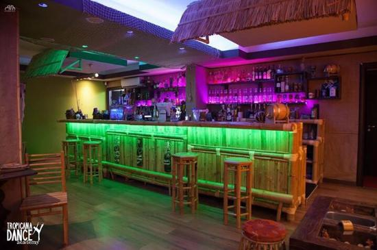 MOAI RistoPub - Lounge Bar