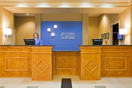 กรีนวิลล์, อลาบาม่า: Front Desk