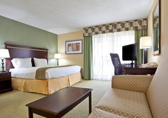 Holiday Inn Express Cincinnati West: Suite
