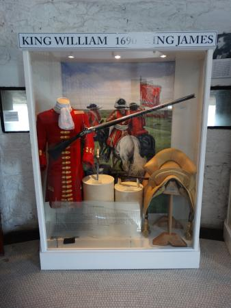 County Louth, Irlanda: Military arms and uniforms