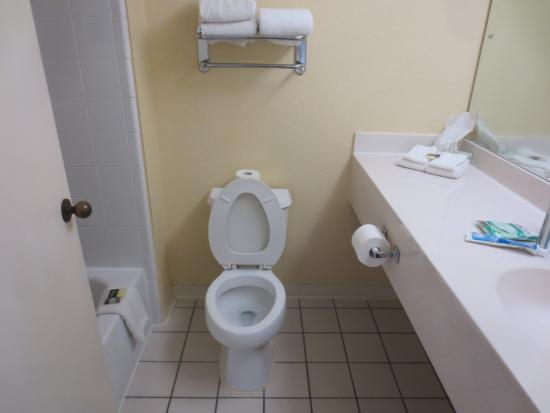 Extended Stay America - Jacksonville - Baymeadows: bathroom