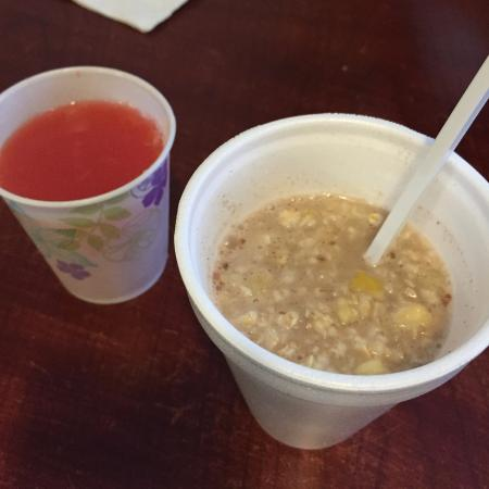 Hospitality Inn: Breakfast of champs: oatmeal