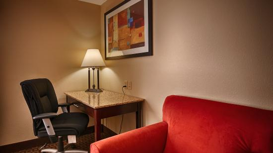 "DeRidder, LA: All of our rooms feature 32"" flat-panel TVs."