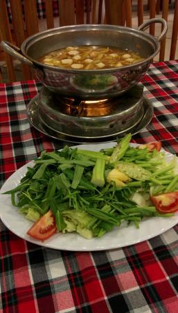 Areka: Сытный суп, который варят при вас (hot pot)