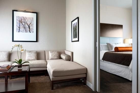 Le Westin Montreal: Deluxe Suite - Guest Room