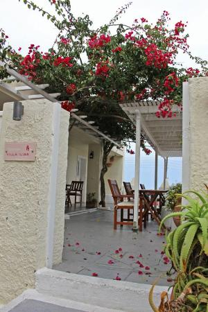 Villa Ilias Caldera Hotel: Villa Ilias breakfast area