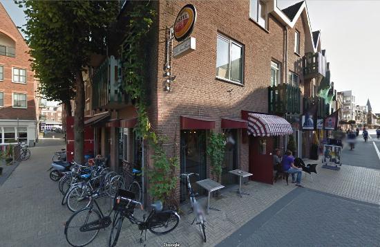 Sassenheim, هولندا: Het café van buiten