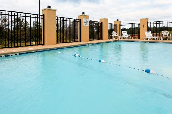 Andalusia, AL: Swimming Pool