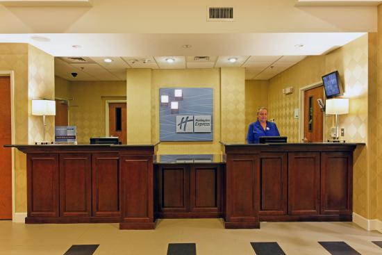 Andalusia, AL: Front Desk