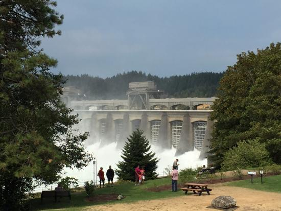 Cascade Locks, Oregón: Bonneville Dam