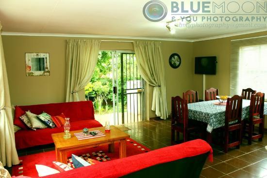 Sabie, África do Sul: Cottage: huge open -plan