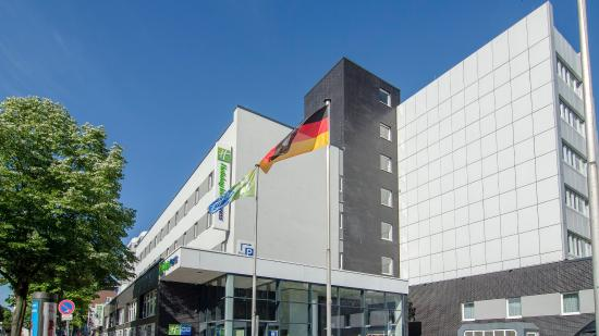 Holiday Inn Express Hamburg City Centre: Hotel Exterior