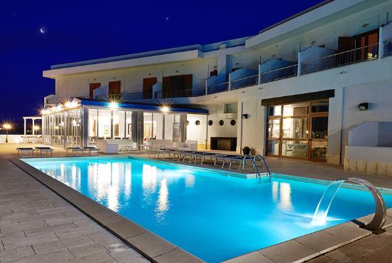 Hotel La Battigia: OUTSIDE
