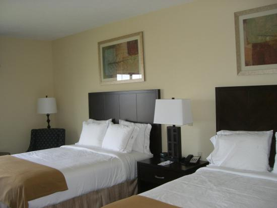 Holiday Inn Express Hotel & Suites Grand Island: Double Bed Guest Room