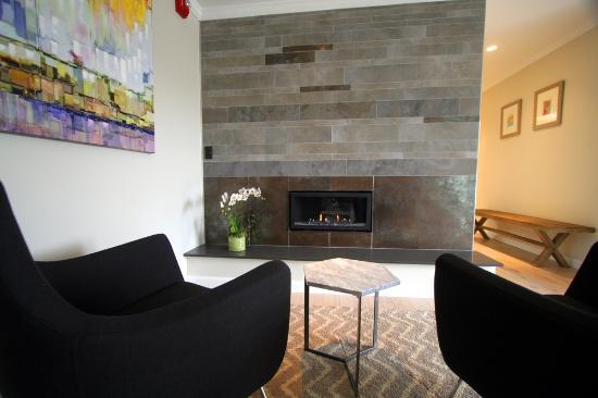 Lakeville, CT : Penthouse Suite Fireplace